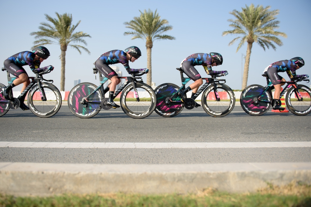CANYON//SRAM Racing speed onto The Pearl on their way to second place at the 40 km Women's Team Time Trial, UCI Road World Championships 2016 on 9th October 2016 in Doha, Qatar. (Photo by Sean Robinson/Velofocus).